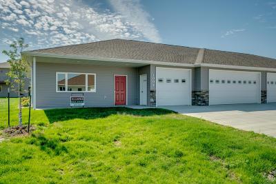 Hazen Single Family Home For Sale: 1004 Otter Creek N