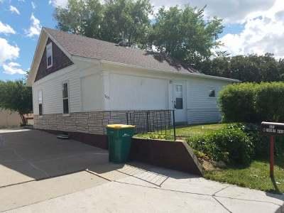 Bismarck Single Family Home For Sale: 223 Front Av W