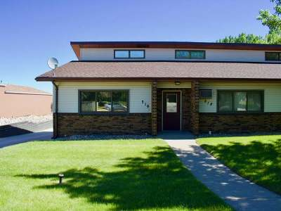Mandan Condo/Townhouse For Sale: 216 14th St NE