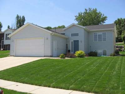 Bismarck Single Family Home For Sale: 904 35th St N