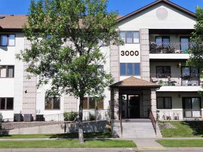 Bismarck Condo/Townhouse For Sale: 3000 4th St N #321