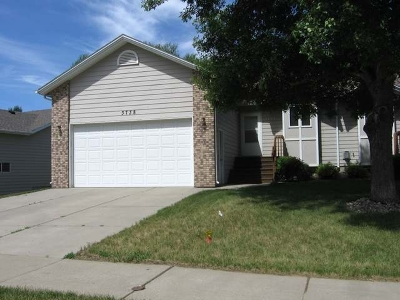 Bismarck ND Condo/Townhouse For Sale: $229,900