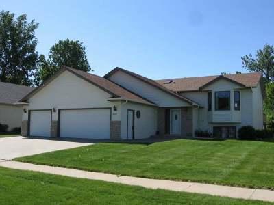 Mandan Single Family Home For Sale: 4905 Harbor Trl SE