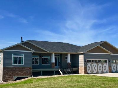 Mandan Single Family Home For Sale: 2360 Brome La