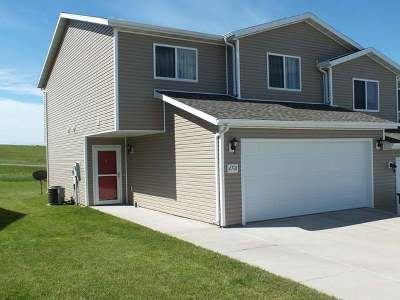 Mandan Condo/Townhouse For Sale: 4701 Impala Ct NW