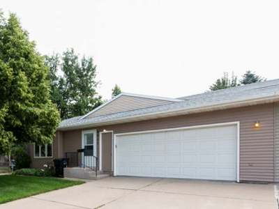 Bismarck ND Condo/Townhouse For Sale: $234,900