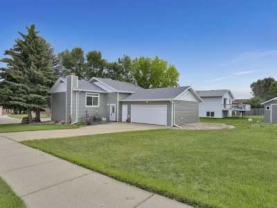 Bismarck Single Family Home For Sale: 3313 C Av E