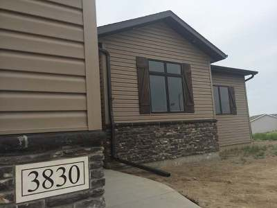 Bismarck Single Family Home For Sale: 3830 Nebraska Dr