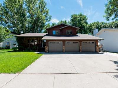 Bismarck Single Family Home For Sale: 929 Senate Dr