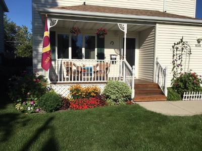 Bismarck Single Family Home For Sale: 830 Anderson St N