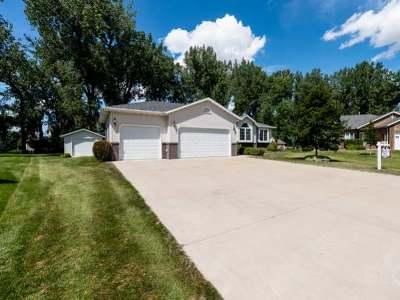 Mandan Single Family Home For Sale: 3412 Heartwood Pl SE