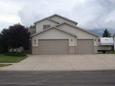 Bismarck ND Single Family Home For Sale: $369,900