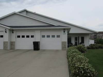 Bismarck ND Condo/Townhouse For Sale: $299,900