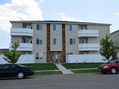 Bismarck ND Condo/Townhouse For Sale: $163,900