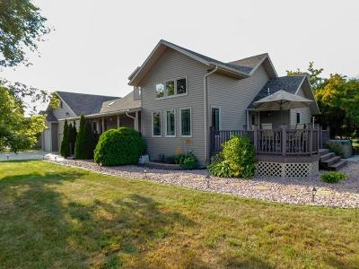 Bismarck Single Family Home For Sale: 5811 Apple Creek Drive