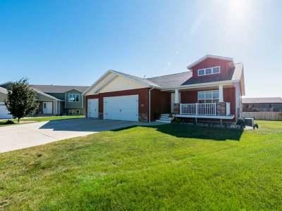 Mandan Single Family Home For Sale: 3008 Breton Ct SE