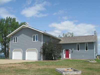 Mandan Single Family Home For Sale: 1983 County Rd 138