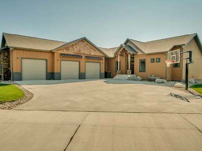 Bismarck Single Family Home For Sale: 3803 Endeavor Pl