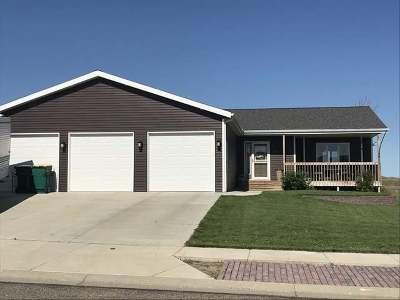 Bismarck Single Family Home For Sale: 3351 Northrop Drive