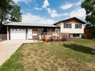Mandan Single Family Home For Sale: 5012 Wagonwheel Cl