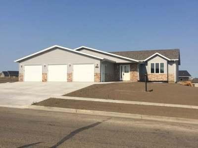 Bismarck Single Family Home For Sale: 3908 Nebraska Dr
