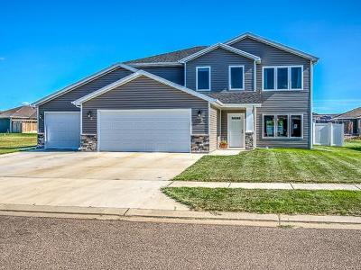 Mandan Single Family Home For Sale: 607 Canyon Rd