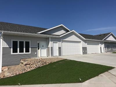 Bismarck Condo/Townhouse For Sale: 5620 Superior Dr