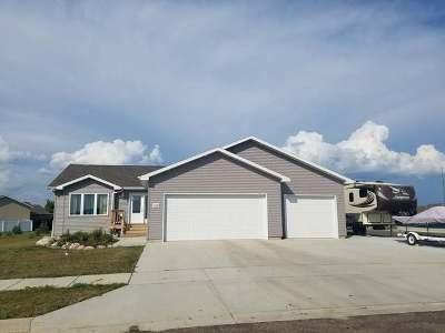 Mandan Single Family Home For Sale: 1320 Nordland Way