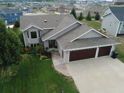 Bismarck Single Family Home For Sale: 4100 Dominion St