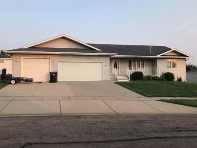 Mandan Single Family Home For Sale: 1109 6th Ave NE