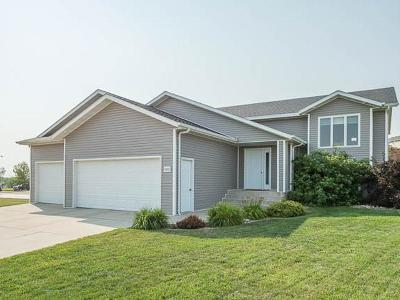 Bismarck Single Family Home For Sale: 3431 Shannon Dr