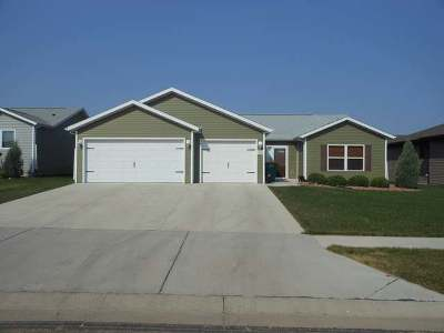 Bismarck ND Single Family Home For Sale: $299,900