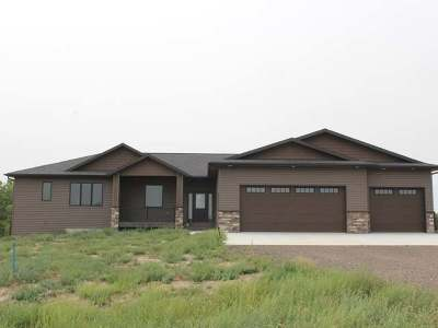 Bismarck Single Family Home For Sale: 6618 Selland Lp
