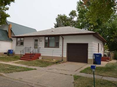 Beulah Single Family Home For Sale: 116 4th Avenue SW