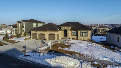 Bismarck Single Family Home For Sale: 3701 Clairmont Road