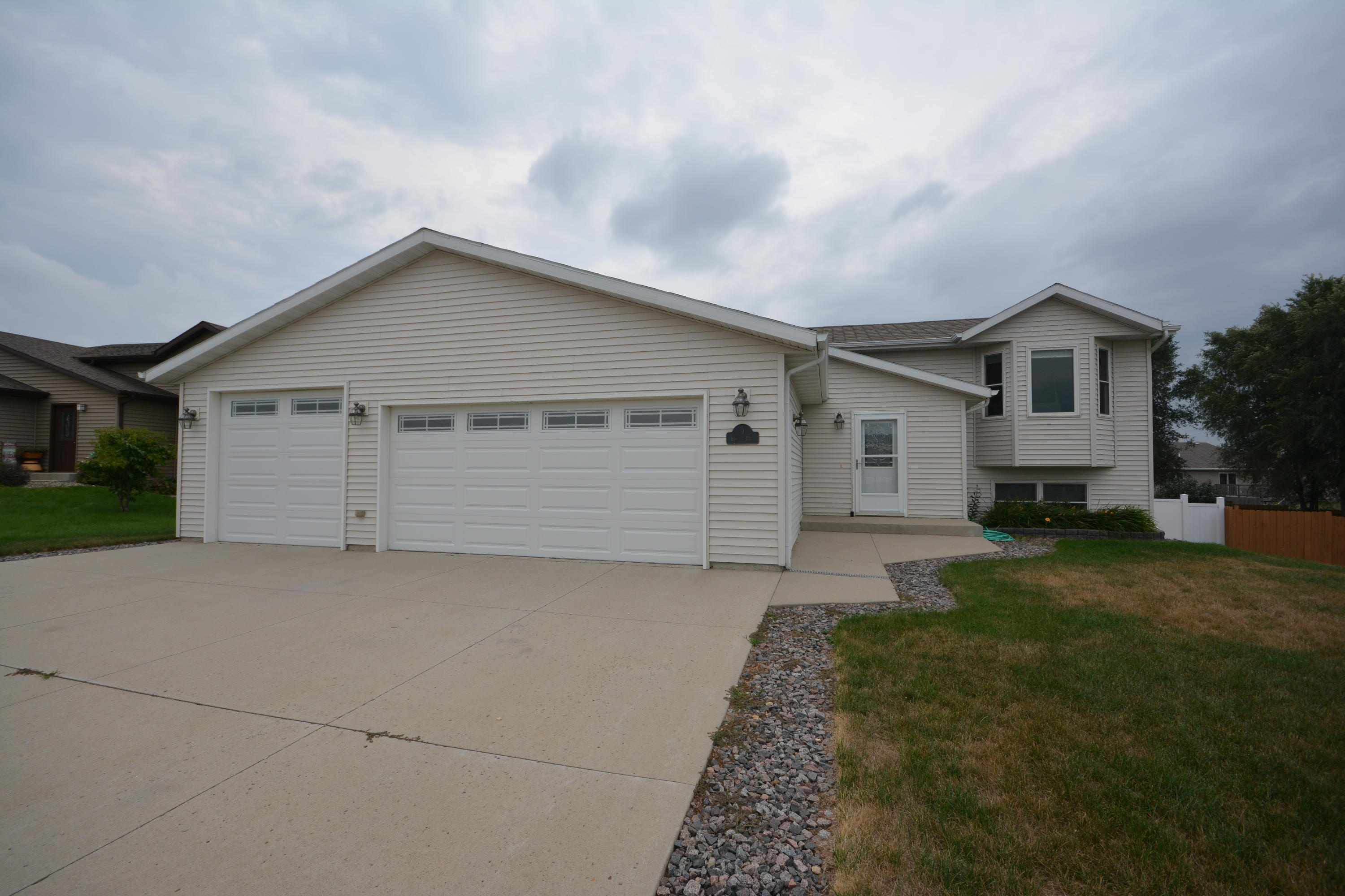 9 Humbert Drive Lincoln Nd Mls 400008 Bismarck Homes For Sale