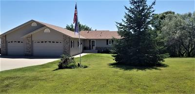 Bismarck Single Family Home For Sale: 8431 Burr Oak Loop