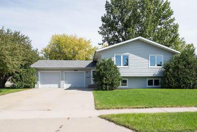 Bismarck Single Family Home For Sale: 1701 Oakland Dr Drive