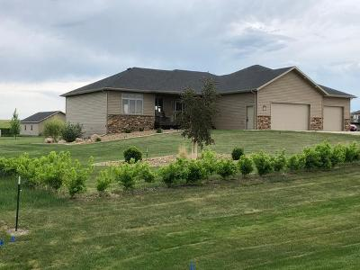 Bismarck Single Family Home For Sale: 6612 Dakota Country Drive