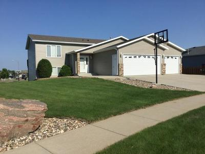 Bismarck Single Family Home For Sale: 4637 Kost Drive