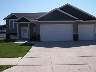 Mandan Single Family Home For Sale: 1005 Sunflower Lane Sw
