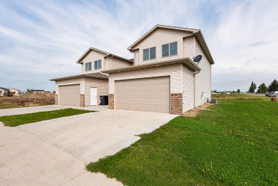 Mandan Single Family Home For Sale: 722 Hillcrest Drive SE