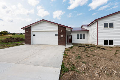 Mandan Single Family Home For Sale: 3011 Jude Lane NW