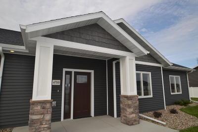 Bismarck Single Family Home For Sale: 4700 Windsor Street