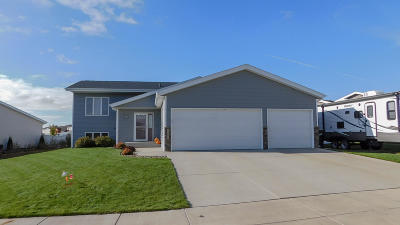 Bismarck Single Family Home For Sale: 3406 Frost Lane