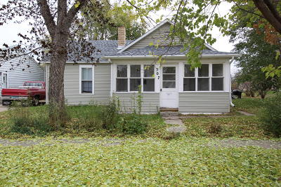 Bismarck ND Single Family Home For Sale: $115,000