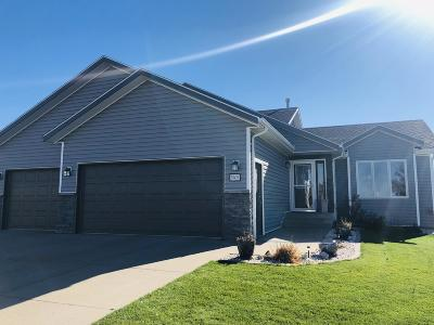 Bismarck Single Family Home For Sale: 5101 Driftwood Lane