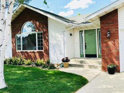 Mandan Single Family Home For Sale: 1304 17th Street SE