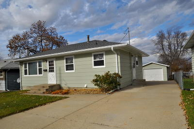 Mandan Single Family Home For Sale: 202 11th Street NW