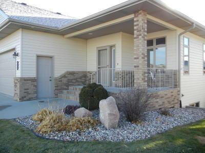 Bismarck Single Family Home For Sale: 3305 Thunderbird Lane